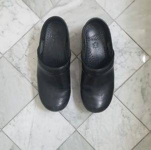Dansko Black Leather Clog Mules Workplace Shoes